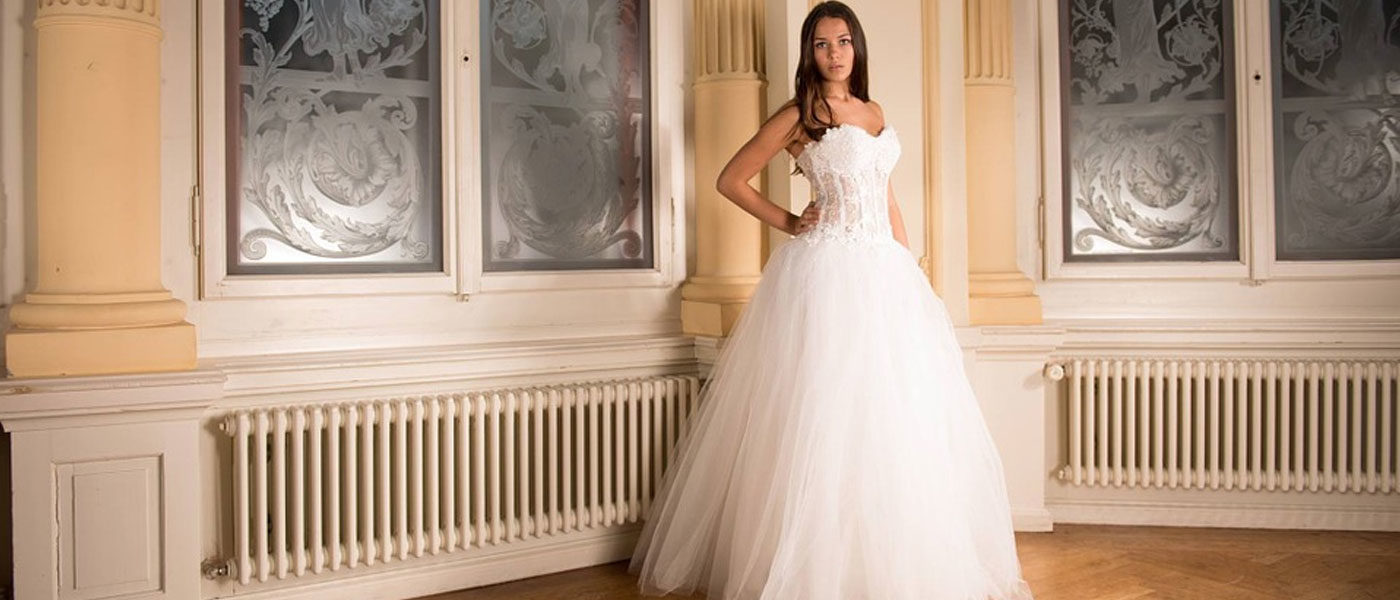 Elegant Lace Wedding Dresses White Ivory Off The Shoulder Garden Bride Gown